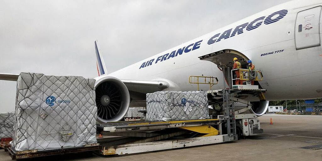 Geodis, partner  Air France in fight against Covid-19 ...