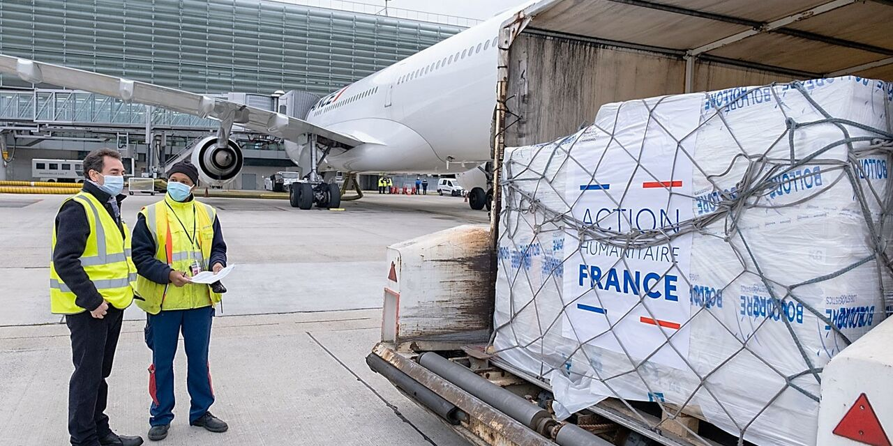 Air France brings relief goods to Armenia ...
